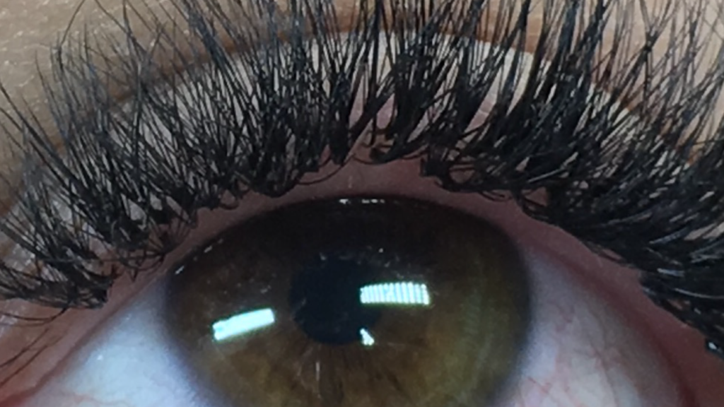9afe6d2a543 The newest craze in Eyelash Extensions and why you need it. Not just for the  dramatic sets.