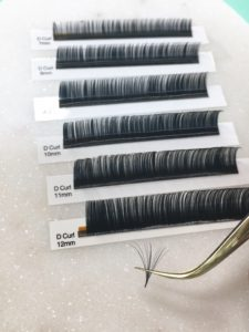 7f5a6be1cdd A 0.03mm fan can be used as a 3-4D on a damaged natural lash, recovering  from trauma, or on a client who wants long extensions but has short natural  lashes.